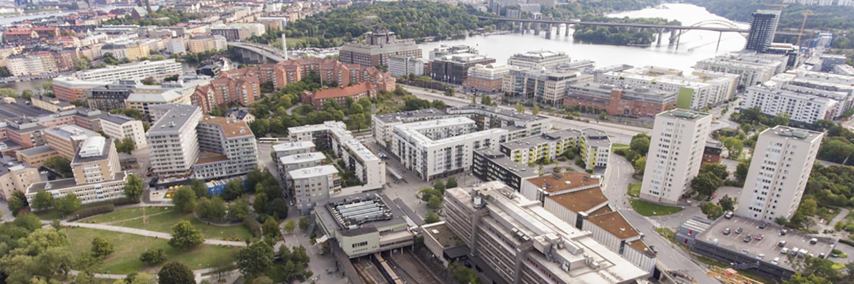 20200901_Liljeholmen_flygbild_frn_KA_liljeholmstorget_aerial2_1500x500.jpg